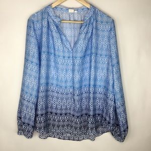 Gap Blue aztec print blouse, V neck peasant style